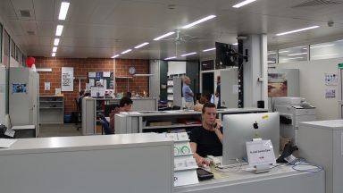 L'équipe du Service Desk, dans leurs locaux.