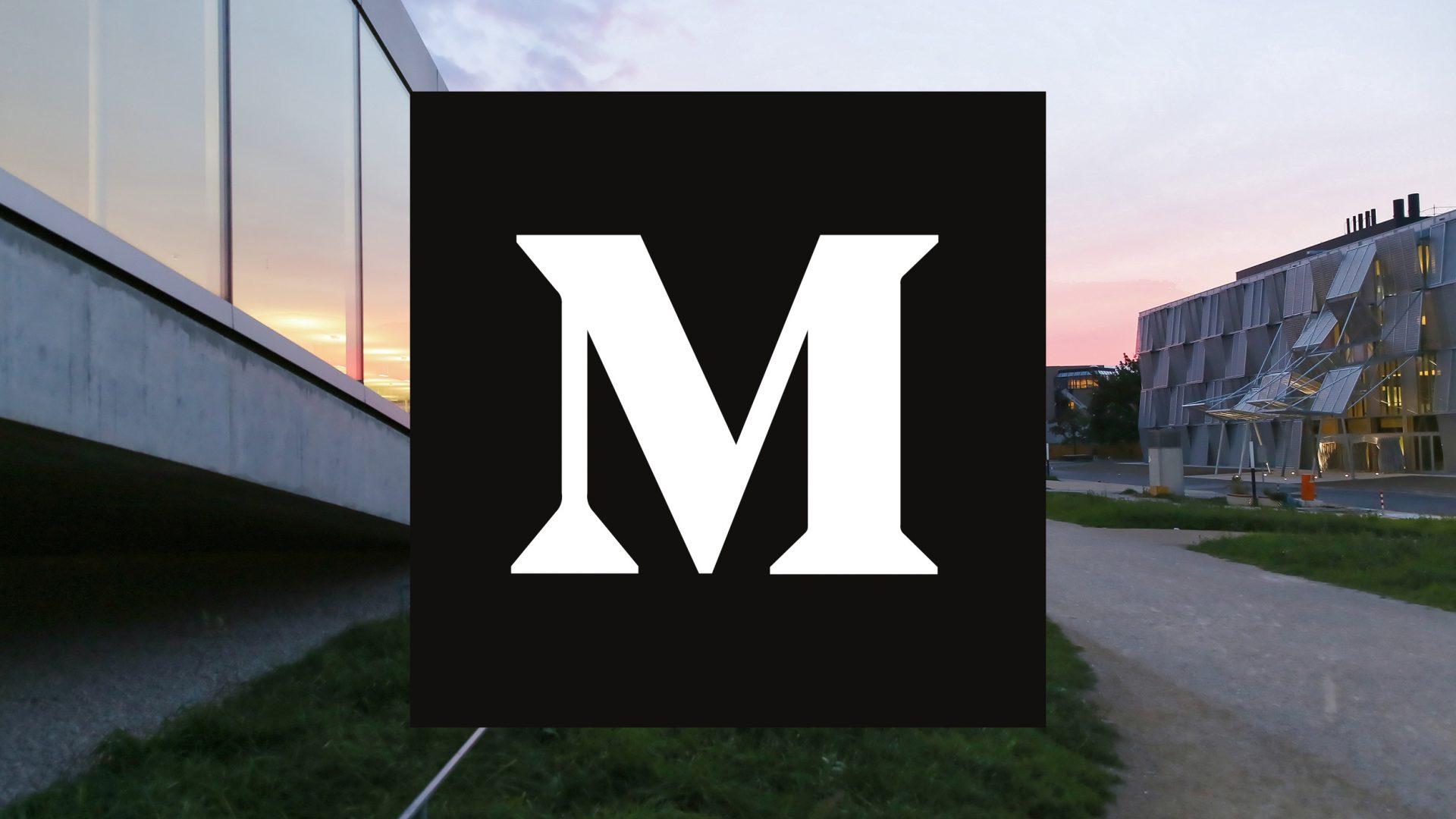 Logo de Medium sur une photo de l'EPFL