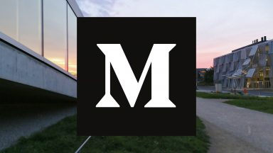 Logo de Medium sur une photo de l'EPFL