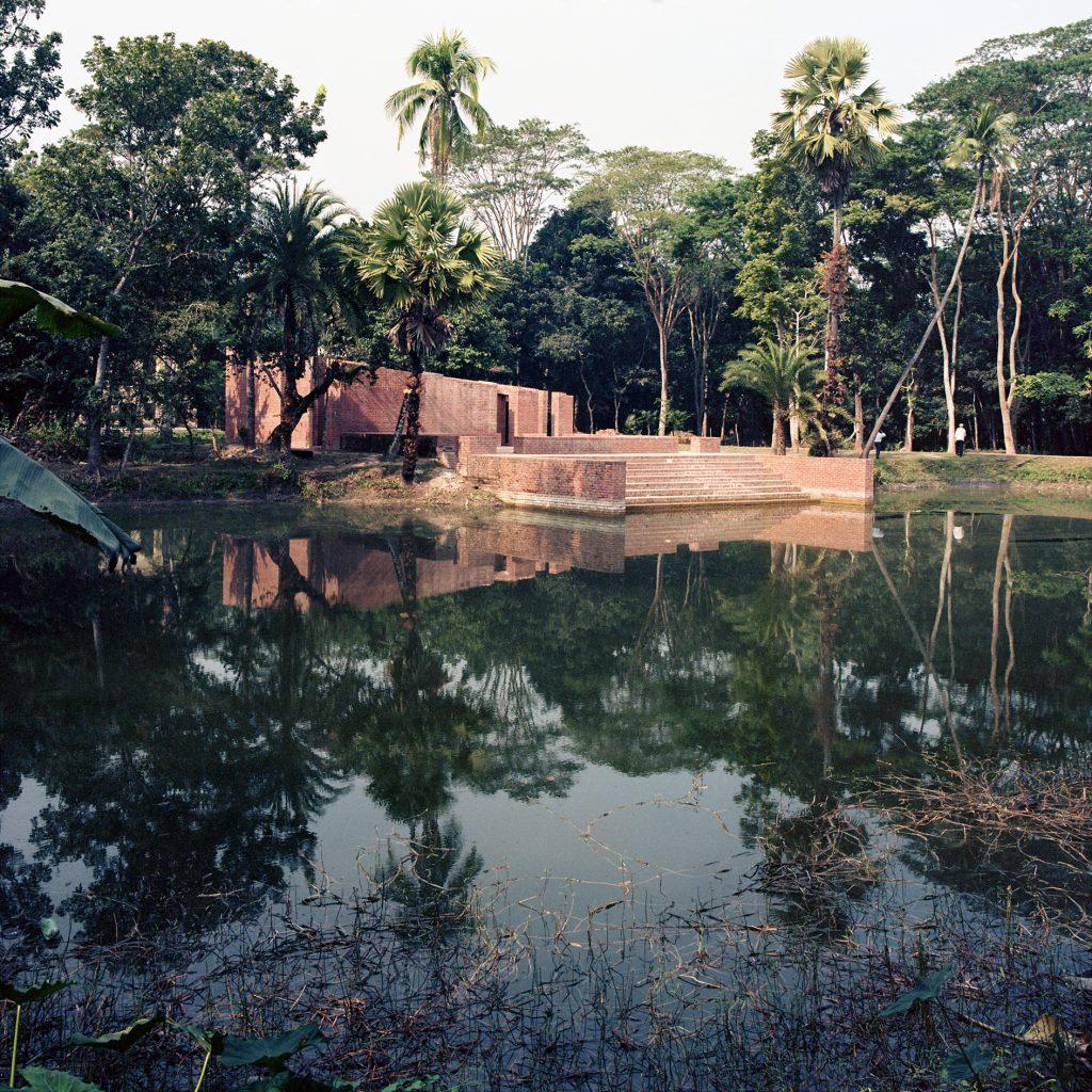 © Kashef Chowdhury