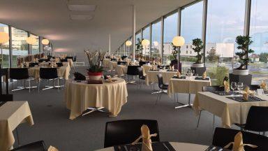 Vue de l'intérieur du restaurant Le Vallotton