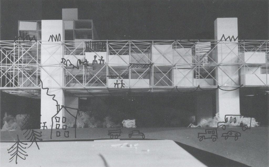 Les volumes planifiés lors du concours pour l'université de Bochum sont insérés dans une grande structure métallique régulière.