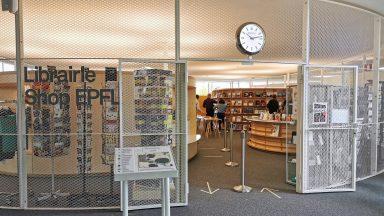 Vue de l'entrée de la librairie l'Intégarle © L'intégrale / EPFL 2021