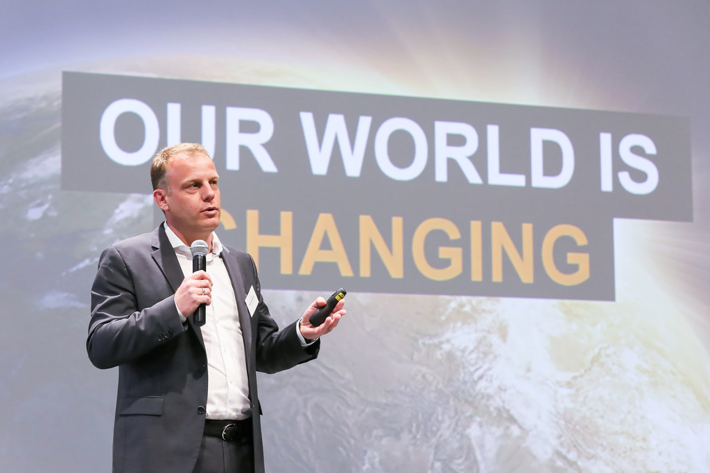 """""""innovative spirit @ Schindler"""" M. Silvio Napoli, CEO, and members of Schindler's management board Company presentation by Schindler AG, with a focus on how innovation plays an important part in its business model. April 4, 2016"""
