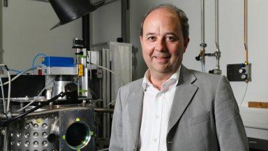 Prof. Roland Logé