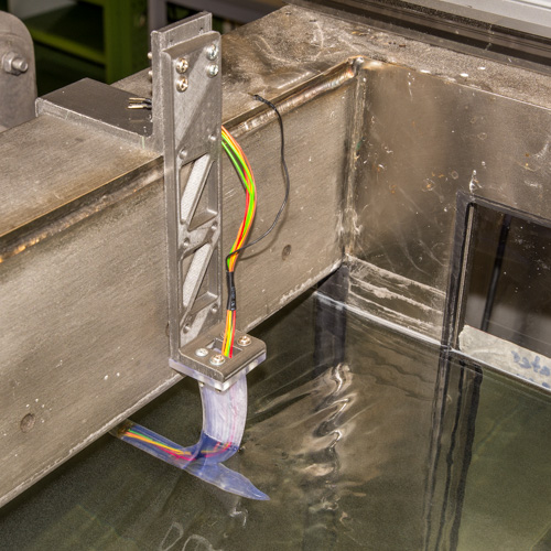 Measurement and control of the operation conditions of SHARX