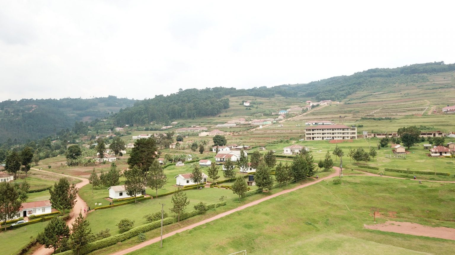 Kabale University currently has 60 academic programmes, 3253 students and 220 academic staff members which is about 20% of the approved staff establishment. Of the 56 academic programmes and majority of the programmes are in STEM.