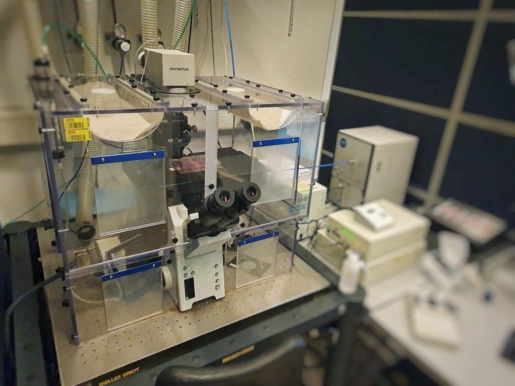 Olympus CellR Microscope
