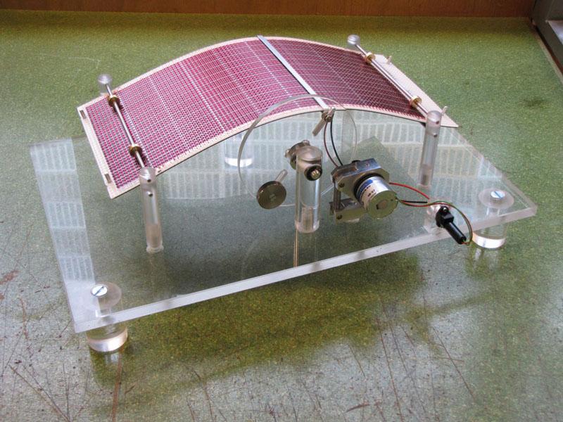 Banc de test pour cellules solaires souples